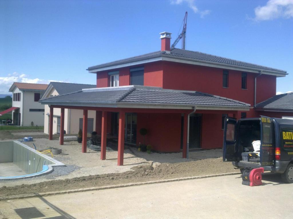 Villa avec piscine et terrasse couverte – Cema Maison